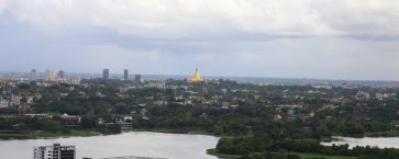 Shwedagon Pagoda & Inaya Lake Real View